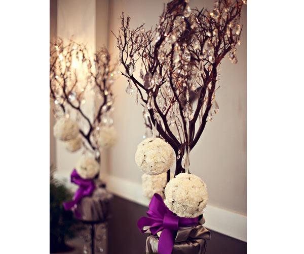 Centro de mesa con ramas de arbol imagui for Ramas blancas decoracion
