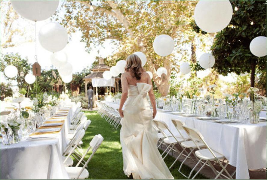 Ideas para un centro de mesa divertido globos la for Decoracion de bodas sencillas y economicas en casa