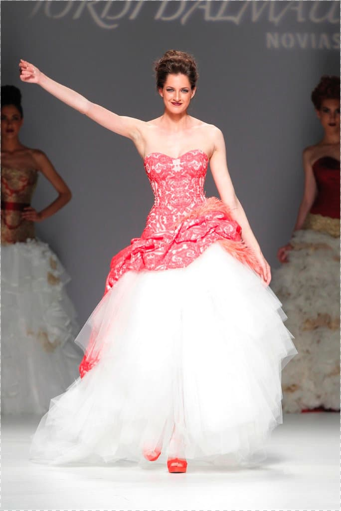 Novias atrevidas y sus vestidos - La Perfecta Prometida