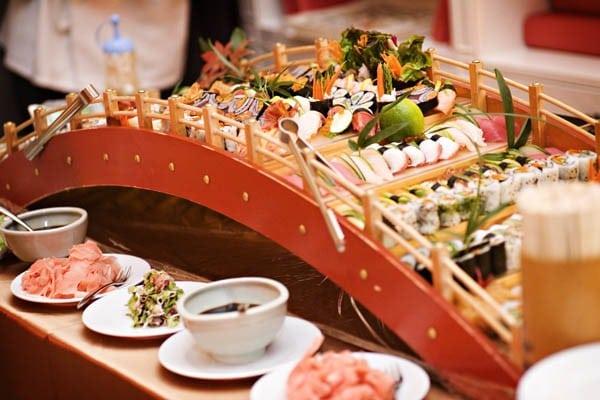 La perfecta prometida ideas para una boda ex tica y for Mesa japonesa tradicional