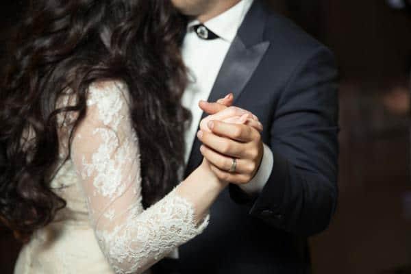 10 canciones para bailar en tu primer baile de recién casados