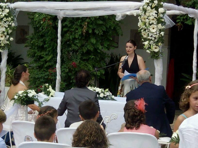 maestra de ceremonias luz boda