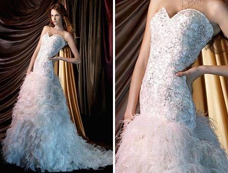 Vestido de plumas para boda