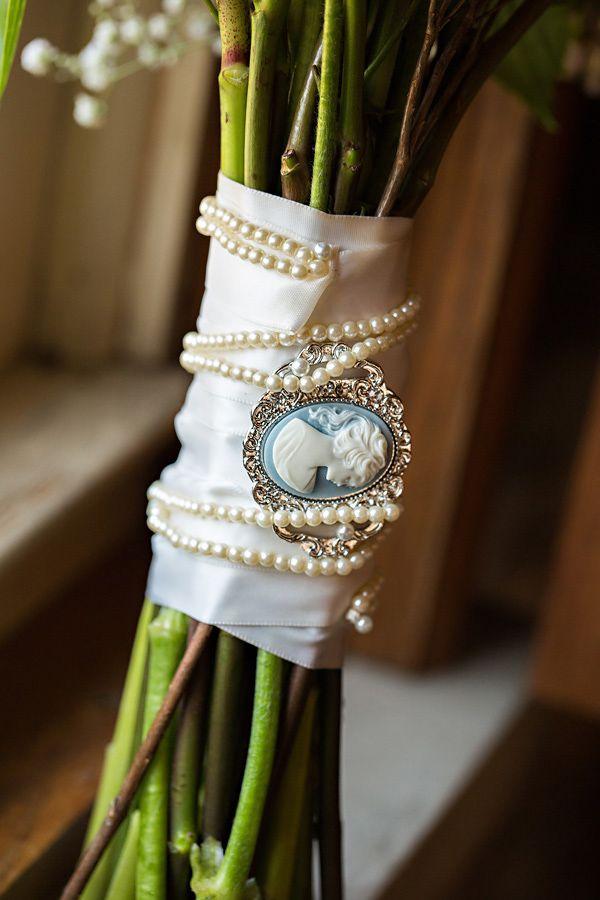 camafeo y perlas