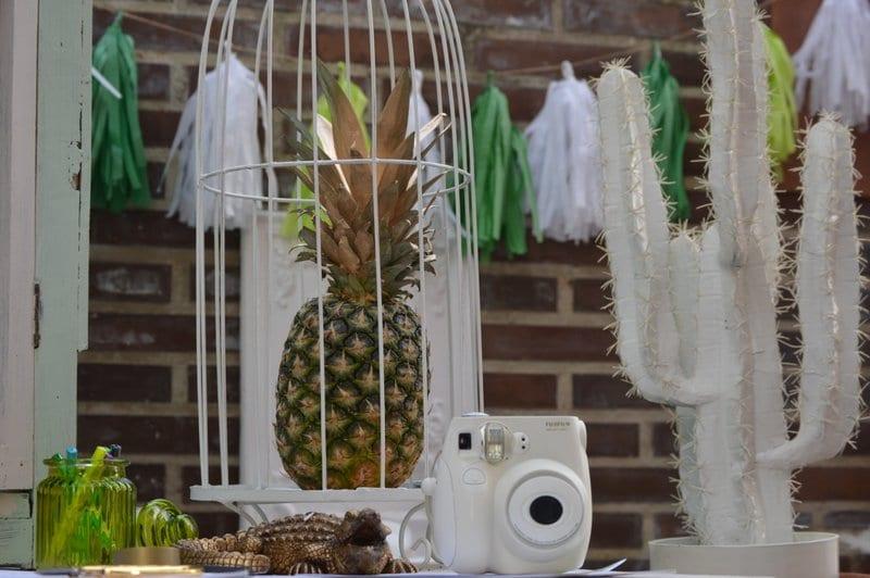piñas y dorado inspiración tropical